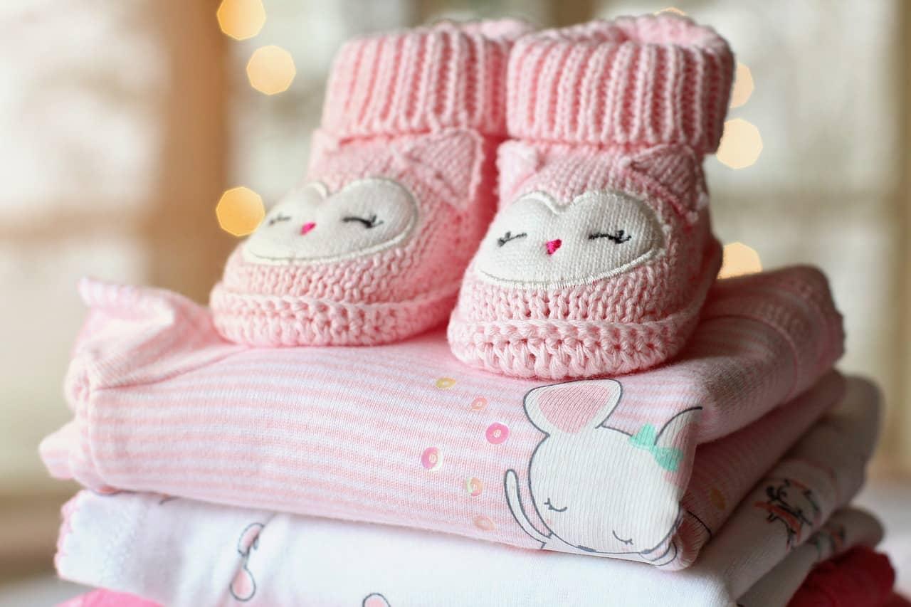 בגדים לתינוקות