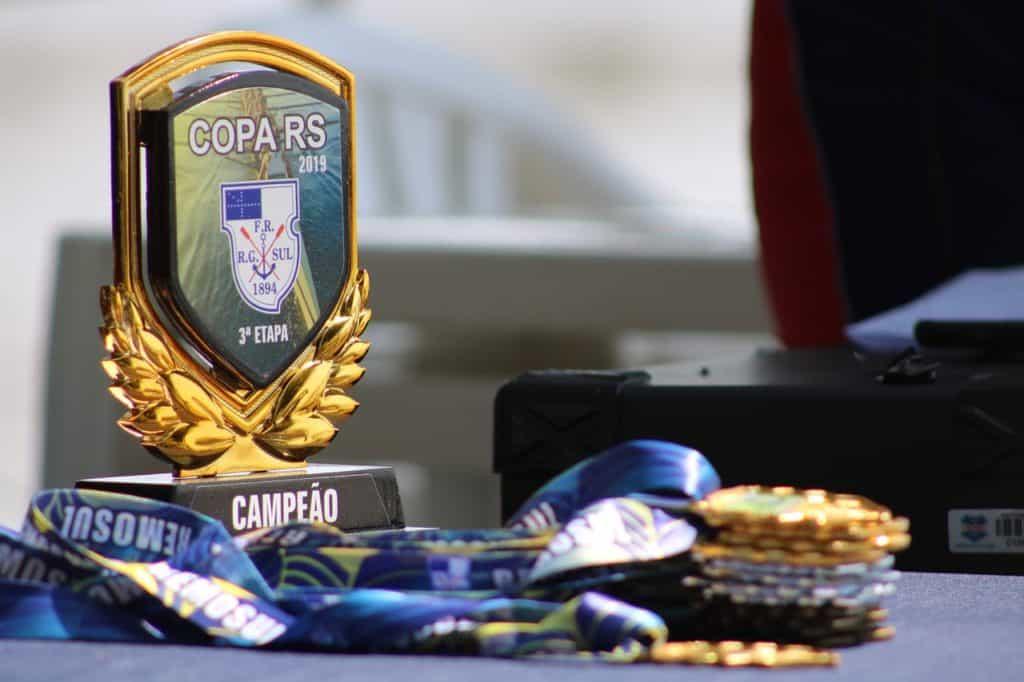 מדליות וגביע